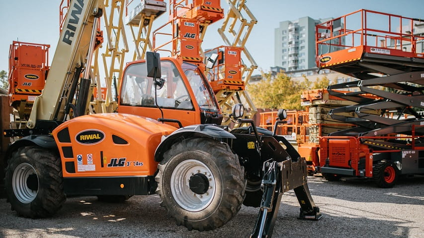 The best used equipment / machines from JLG, Genie and many other brands | Riwal
