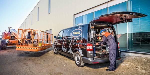 Riwal Van with boom