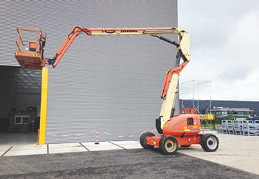 Hire the JLG 600AJ Articulated boom from Riwal today