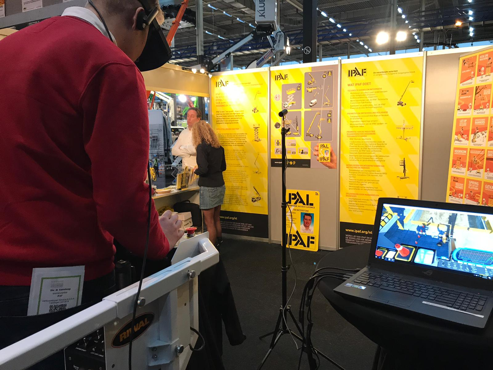 Riwal VR Simulator in use at IPAF stand