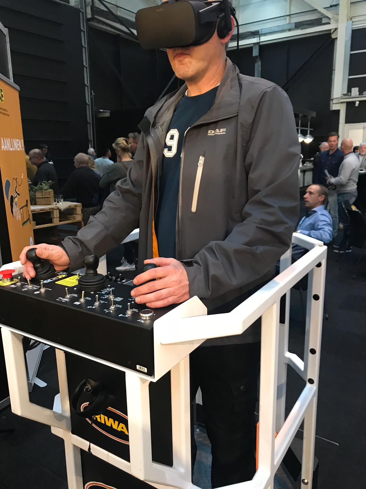 Riwal Virtual Reality Training Simulator in use at IPAF show