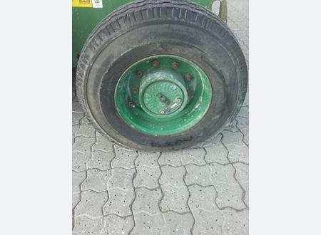 1505368949861_Z452507A-34915_8