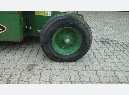 1459935155143_Z452507A-34915_10