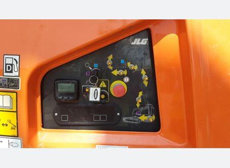 Lower control panel